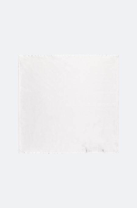 Lenço de seda branco